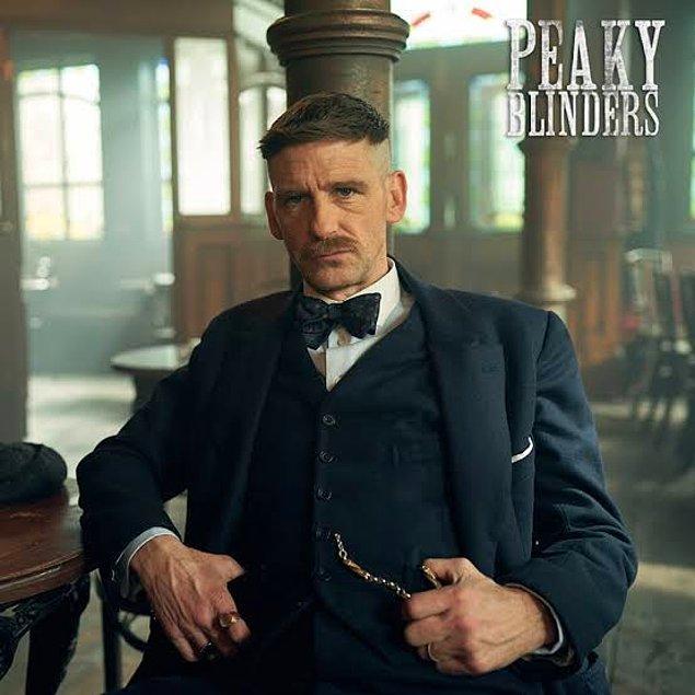 13. Sherlock Holmes 3'ün kadrosuna Paul Anderson katıldı.