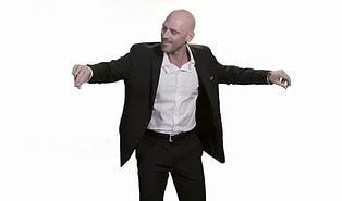 Brazzers'taki Kel Adam Johnny Sins 'Erik Dalı' Oynadı, Sosyal Medyada Yer Yerinden Oynadı!