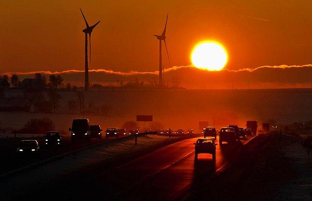 Yükselen sıcaklık, kötüleşen hava kalitesi, kötü hava koşulları, nesli tükenen hayvanlar, hastalıklar...