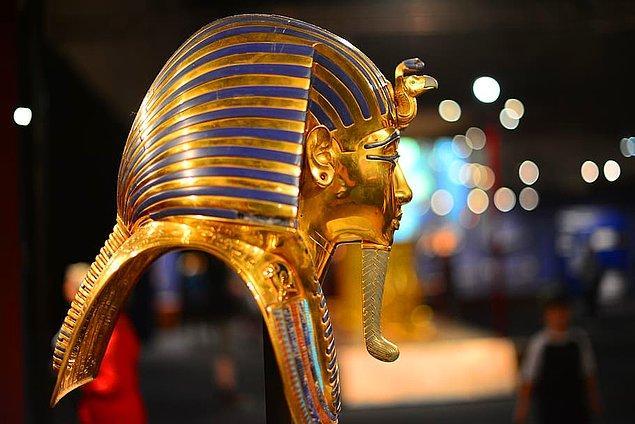 5. Kral Tutankhamun'un annesi ve babası aslında kardeşlerdi. Anne ve babası gibi o da 9 yaşındayken 13 yaşındaki kız kardeşiyle evlenmişti.