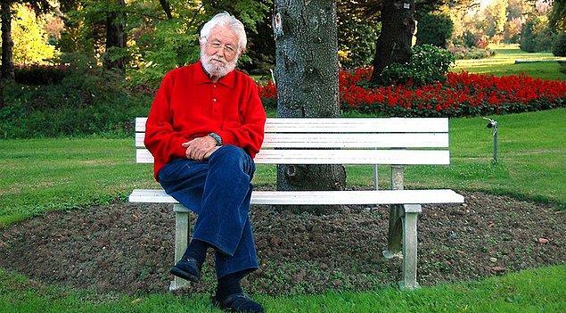 Tarım üzerine çalışmalarıyla 'Toprak Dede' diye bilinen Hayrettin Karaca 97 yaşında yaşamını yitirdi.