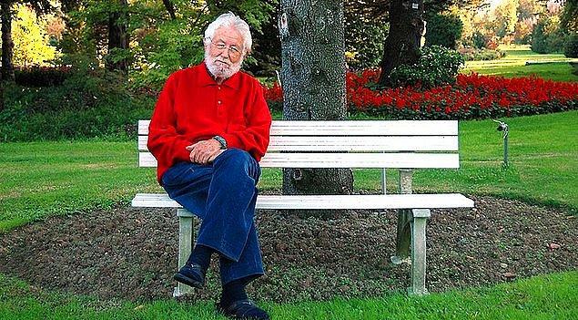 1. TEMA Vakfı'nın kurucusu ve onursal başkanı olan ve tarım üzerine çalışmalarıyla 'Toprak Dede' diye bilinen Hayrettin Karaca, 97 yaşında yaşamını yitirdi.