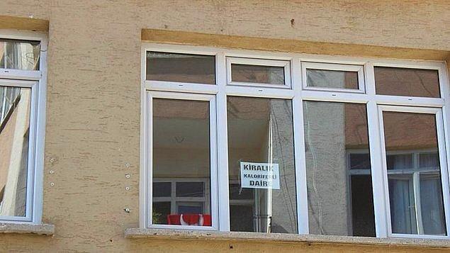 """7. Türkiye İnsan Hakları ve Eşitlik Kurumu (TİHEK), """"1+1 daireyi bekâr erkek kiracıya vermiyorum"""" diyen ev sahibi ile aracı olan emlakçıyı 1.000'er lira idari para cezasına çarptırdı."""