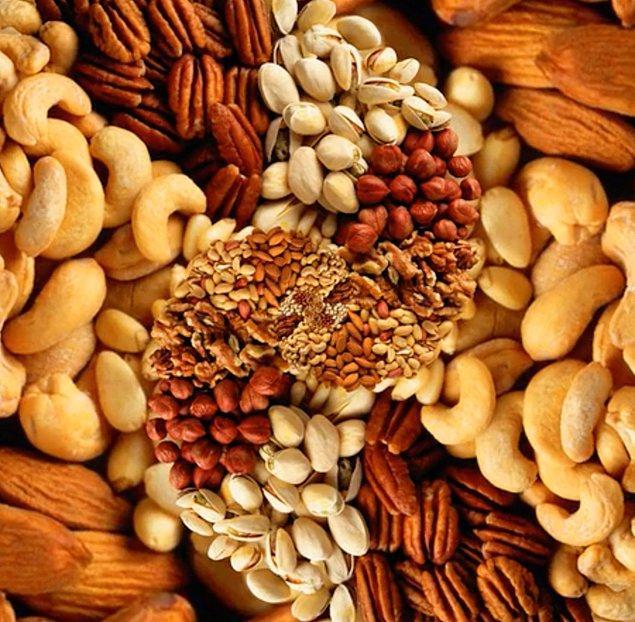 6. Yer fıstığı, bir kuruyemiş değildir, aslında bir bakliyattır. Hatta, antep fıstığı, kaju ve badem de yemiş olarak bilinseler de aslında teknik olarak tohumdurlar.