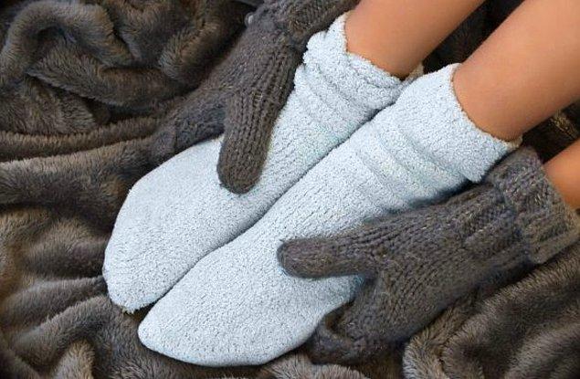 Bazılarımız sıcak bir yerde de olsa her zaman soğuk kalabilen el ve ayaklara sahip.