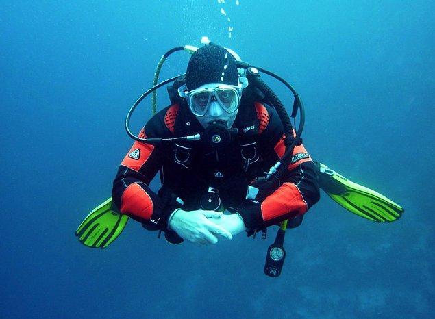 8. Aletli dalıştaki tüpün içinde, saf oksijen yoktur. 6 metreden daha derinde oksijene maruz kalmak, insan bünyesi için zararlıdır...
