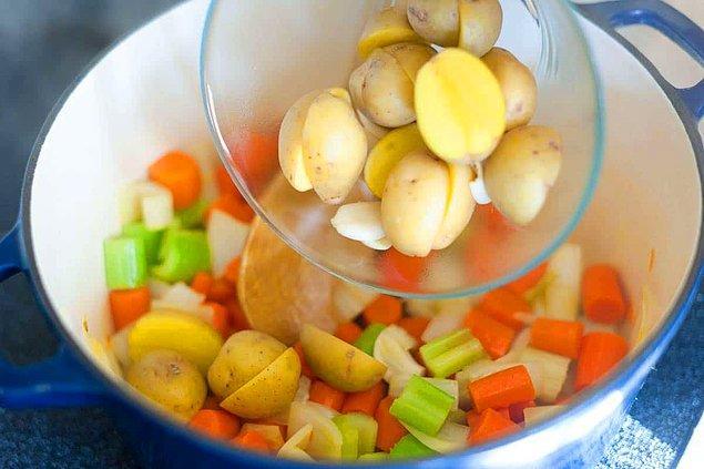 Sebze Çorbasının Hazırlanışı