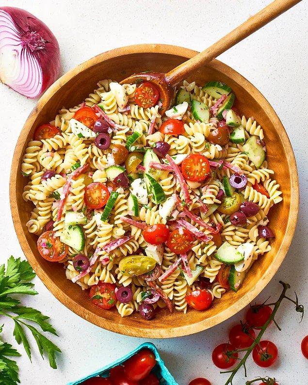 İtalyan Makarna Salatası Tarifi