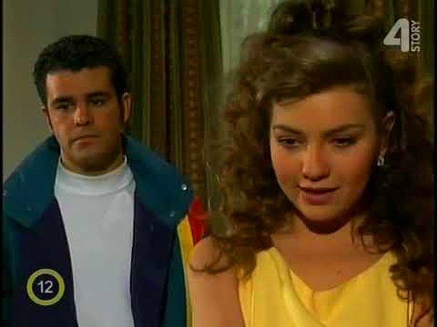 Şimdi Marimar herkesten daha Allahsız olarak, durumu kötüye giden Sergio'nun ailesinin her şeyini elinden alıyor.