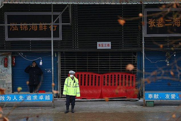 Olgular, canlı balık, hayvan ve kuş satan bir pazardaki işçilerle bağlantılıydı. Pazar daha sonra kapatıldı ve dezenfekte edildi.