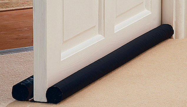 4. Aynı şekilde kapı altlarından soğuk havanın geçmediğinden emin olun. Özellikle kaloriferi yakmadığınız bir oda varsa bu odanın kapısını sürekli kapalı tutun.