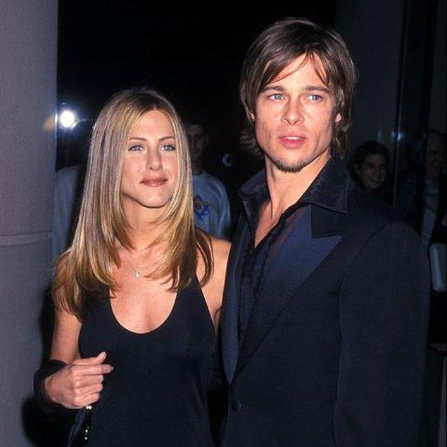 5. İkilinin Emmy Ödüllerinde salınmasıyla birlikte herkes bu çifte hayranlıkla bakmaya başlıyor tabii. Bir yanda genç ve yakışıklı Brad, bir yanda güzelliğiyle herkesi büyüleyen genç oyuncu Jennifer. E boyu boyuna, huyu huyuna derler ya; işte tam da öyle...