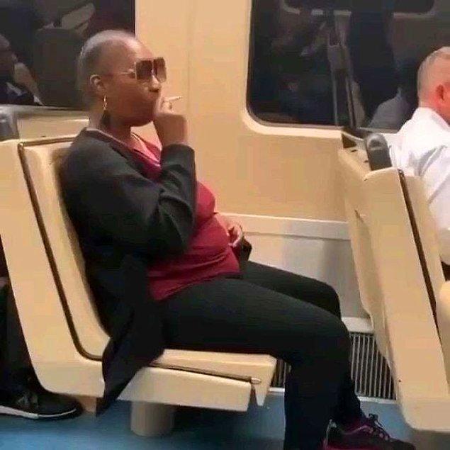 8. Metro seferinin gecikmesine sebep olsa da inatla sigarasını söndürmeyi reddeden bu hanım...