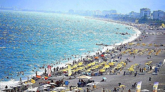 2. Antalya Büyükşehir Belediyesi, Hülya Koçyiğit'in damadı Ender Alkoçlar'ın sahibi olduğu şirket tarafından, 2018 yılında 28 yıllığına kiralanan Konyaaltı Sahili'nde, bugüne kadar 15 milyon lira kamu zararı tespit ettiğini belirterek, ihaleyi iptal etti.