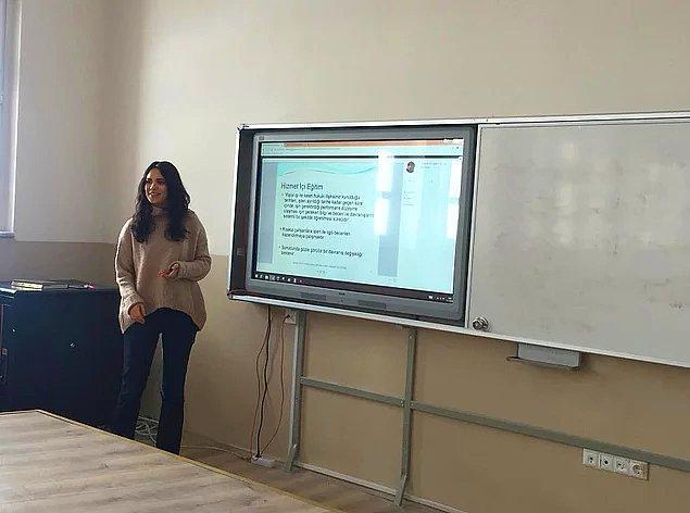 Kübra Kelkit'in, Çankırı'da Anadolu İmam Hatip Lisesi'nde rehber öğretmenlik yaptığı biliniyor.