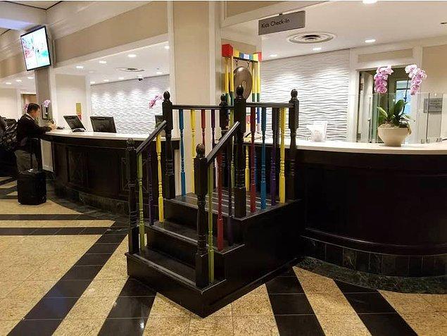 20. Bu otelde ise çocuklar için özel bir check-in köşesi tasarlanmış