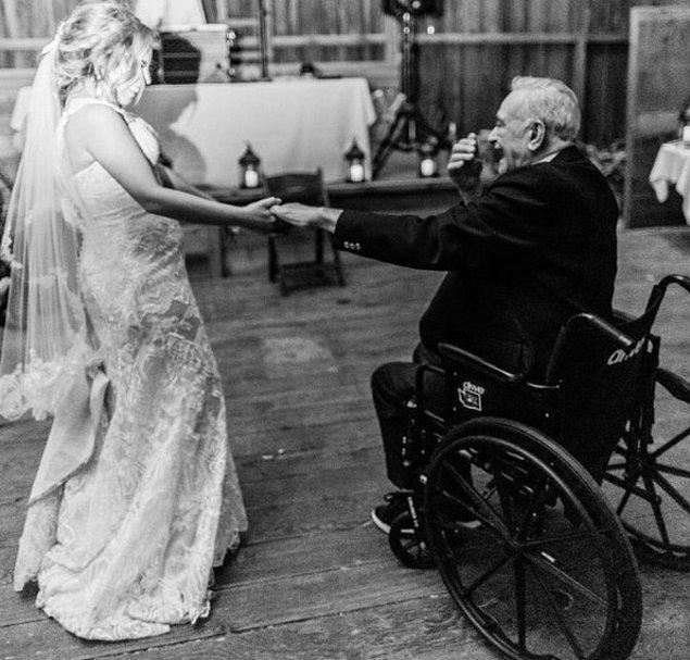 """1. """"Dedemin en büyük hayali, düğünümde eşimle birlikte dans etmekti. 2 ay ömrü kaldığında bu dileğini gerçekleştirebildik."""""""