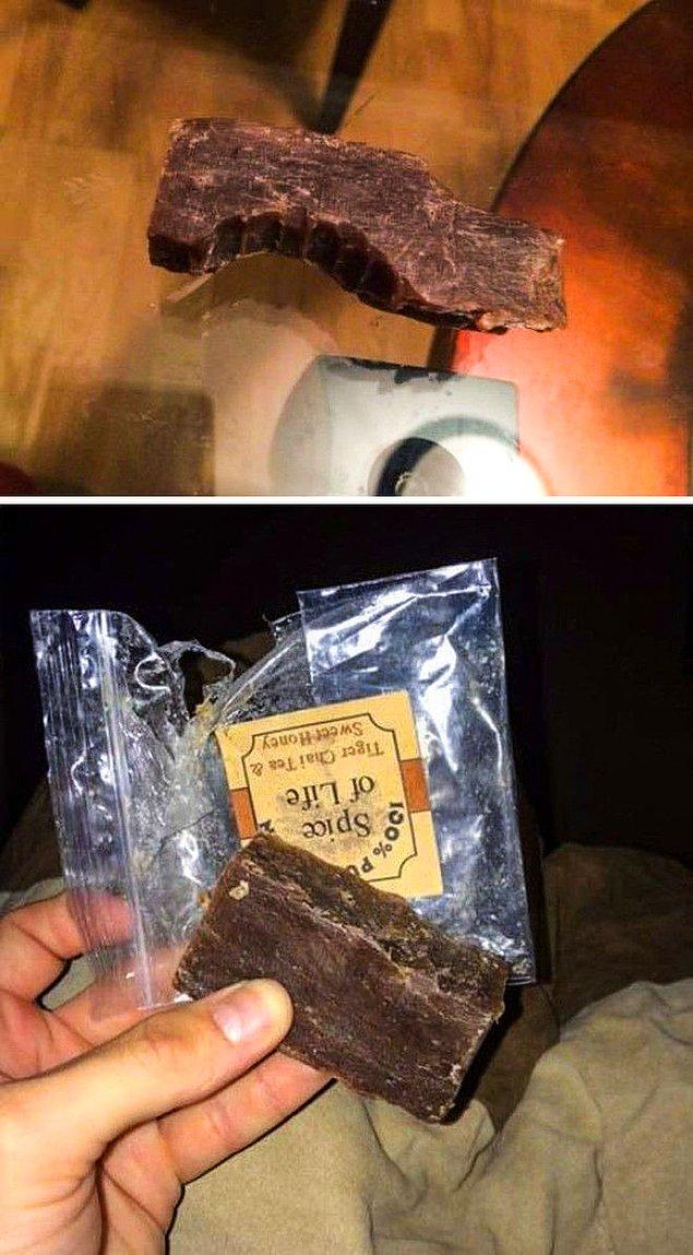 """9. """"Bir partiden sonra eve gelip bir çikolata bulduğunuzda ısırmak için acele etmeyin...Sabun olabilir."""""""