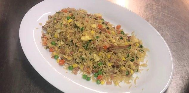3. Kızarmış pirinç: