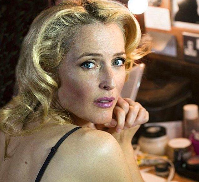 'Sex Education' ın başrol oyuncularından, 51 yaşındaki çıtır Gillian Anderson.