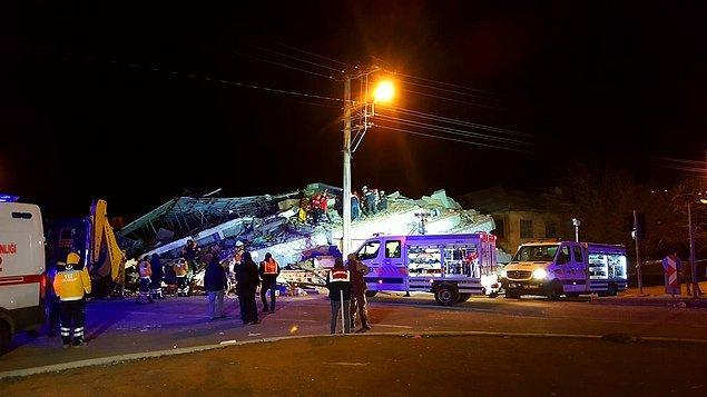 İçişleri Bakanı Süleyman Soylu ile Çevre ve Şehircilik Bakanı Murat Kurum, ve Sağlık Bakanı Fahrettin Koca, Elazığ'da meydana gelen depremin ardından bu şehre gitti.