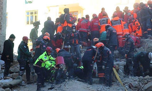 Enkazdan çıkarılan 12 yaşındaki Miraç hayatını kaybetti