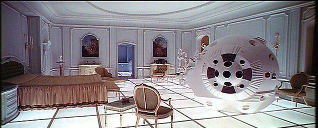4. Uzayda yaşarken kullandıkları gösterişli eşyalar: