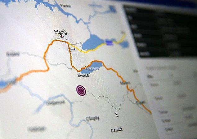 1. Elazığ'ın Sivrice ilçesi merkezli bir deprem meydana geldi. Ölü ve yaralıların olduğu bölgelerde kurtarma çalışmalarına devam ediliyor.