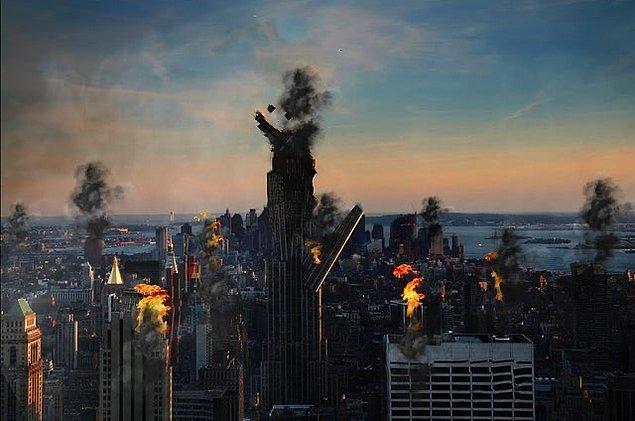"""15. """"Süper kahramanlar: Şehri kurtardık. O sırada şehir:"""""""