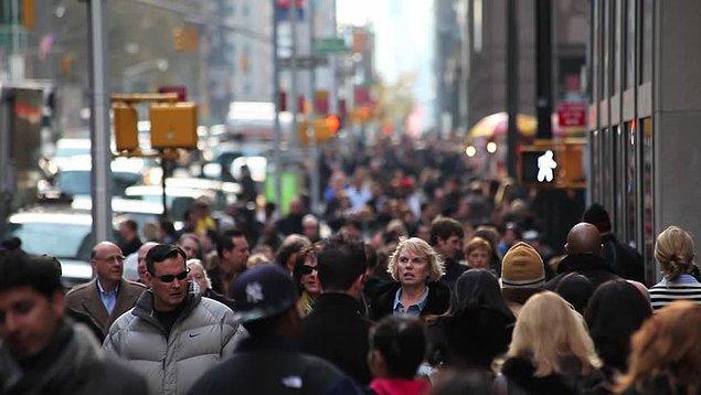 15. Eğer insanlar Manhattan'daki kadar kalabalık yaşasalardı, tüm insan ırkı Yeni Zelanda'ya sığardı.
