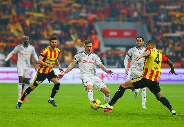 Maçın ikinci yarısında gol sesi çıkmayınca Göztepe sahasında Beşiktaş'ı 2-1 yenmeyi başardı.