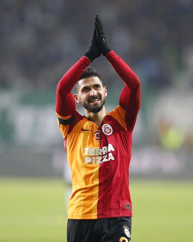 Galatasaray'da sol kanattan gelişen atak sonucunda Saracchi'nin içeri çevirdiği topta Emre Akbaba, topu kontrol edip sol ayakla direk dibine şık bir vuruş yaparak takımının adına farkı 2'ye çıkardı: 0-2.