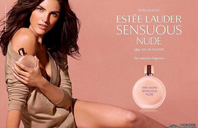 19. Estee Lauder-Sensuous Nude: Basit gibi görünse de vazgeçilmezdir.