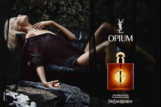 16. Yves Saint-Laurent Opium: İsmi nedeniyle bir dönem yasaklandı ama yıllar sonra efsane bir dönüş yaptı.