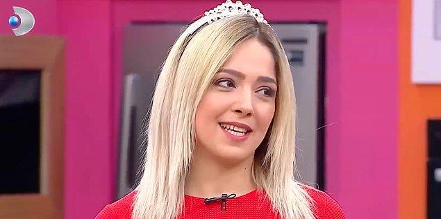 Yeni yarışmacılardan biri olan Ayça gelir gelmez kraliçeliğini ilan etti.