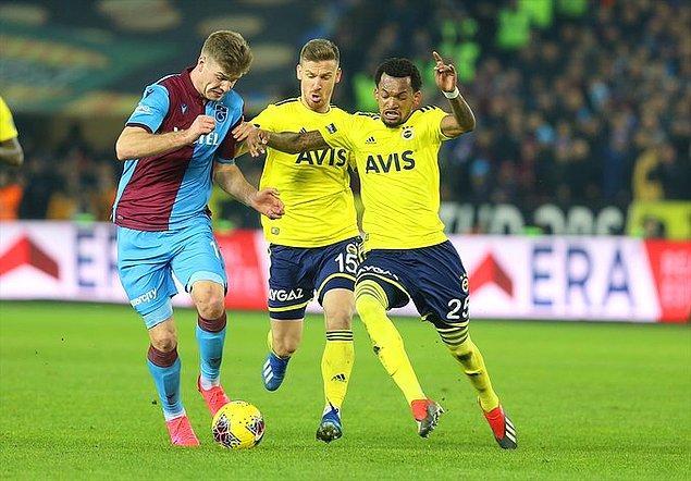 Fenerbahçe'nin ise dört maçlık galibiyet serisi Trabzon deplasmanında son buldu.
