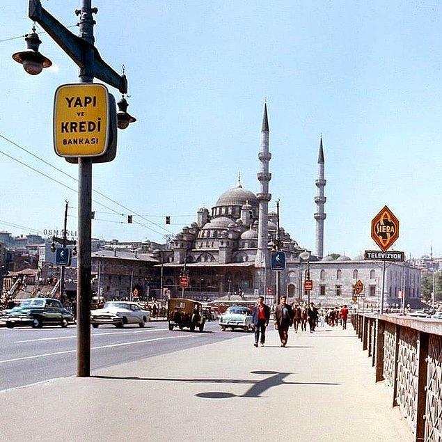 2. Bir turistin objektifinden Eminönü, İstanbul, 1971.