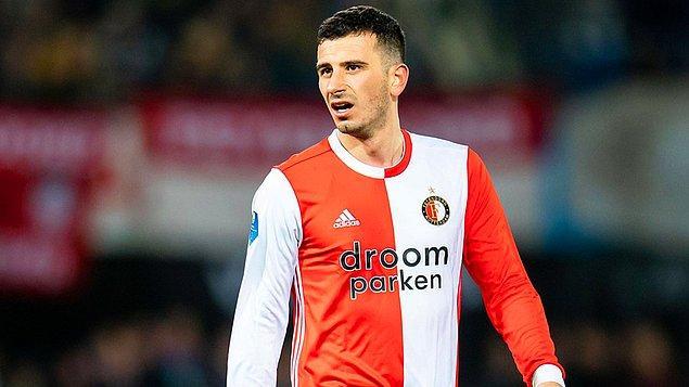 Hollanda Eredivisie'nin 21. hafta maçında Feyenoord sahasında Emmen'i 3-0'lık skorla yendi.  Milli futbolcumuz Oğuzhan Özyakup, maçta 63 dakika forma giyerken karşılaşmada bir gol attı.