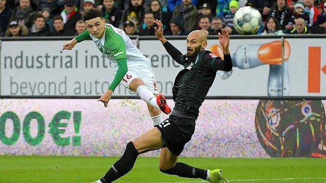 Werder Bremen'in deplasmanda Augsburg'a 2-1 yenildiği maçta Ömer Toprak 90, Nuri Şahin 80 dakika sahada kaldı.