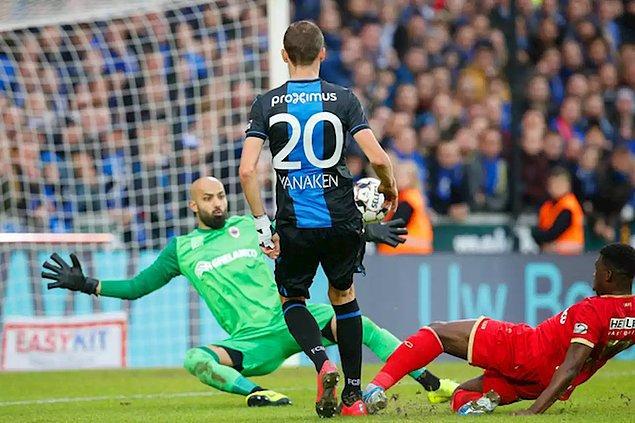 Royal Antwerp'in deplasmanda Club Brugge'e 1-0 yenildiği karşılaşmada Sinan Bolat, 90 dakika kalesini korudu ama mağlubiyete engel olamadı..