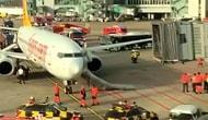 Pegasus Uçağında Yangın Paniği: Yolcular Acil Tahliye Botuyla Çıkartıldı