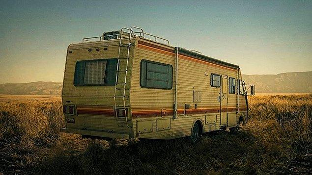 21. Bu karavana atlayıp tatlı Ege kasabalarını gezmediler, çatır çatır meth ürettiler. 'Breaking Bad' efsanesinin en hatırlatıcı ikonu da bu karavandır.