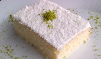 Gelin Pastası Tarifi: Yumuşacık Keki ve Enfes Kremasıyla Gelin Pastası Nasıl Yapılır?