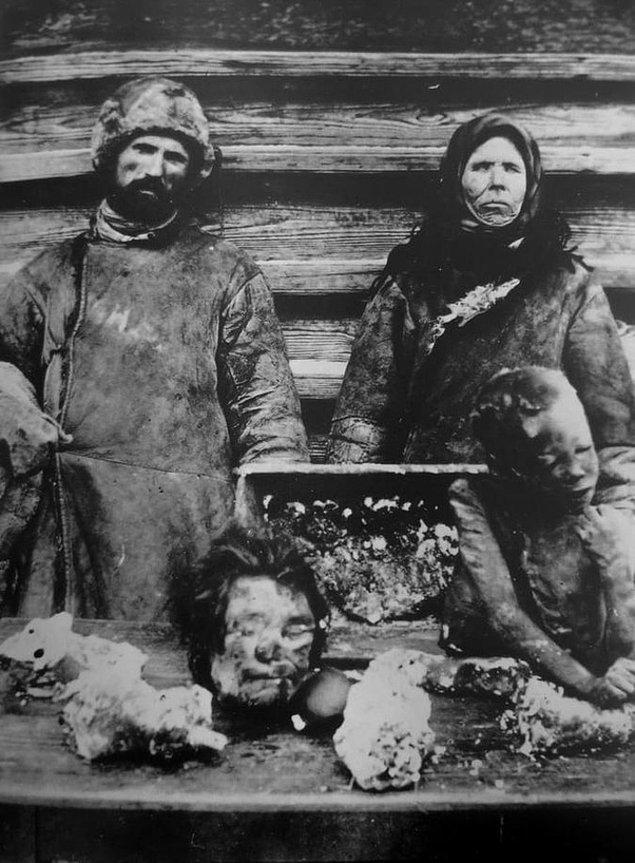 23. Sovyetler Birliği'ndeki kıtlıkta, yemek olarak çocuklarının parçalarını satan çift: