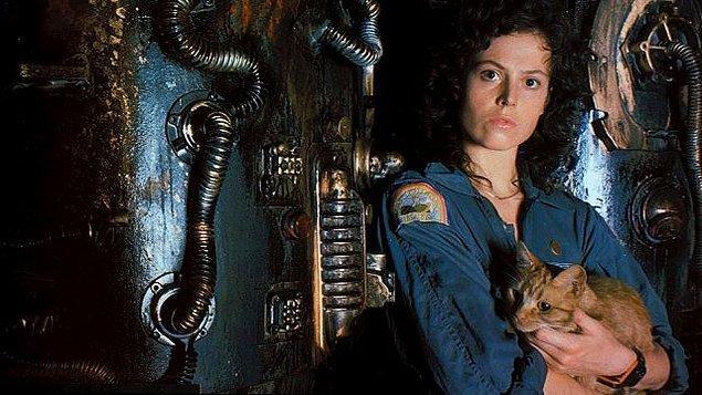 6. Yaratık (1979) Alien