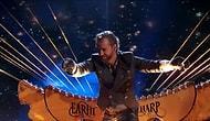 300 Metrelik Dev Arpın İçinde Konser Veren ABD'li Sanatçı!