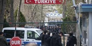 Otobüs Çektiler: Yunanistan, Pazarkule Sınır Kapısı'nı Giriş ve Çıkışlara Kapattı