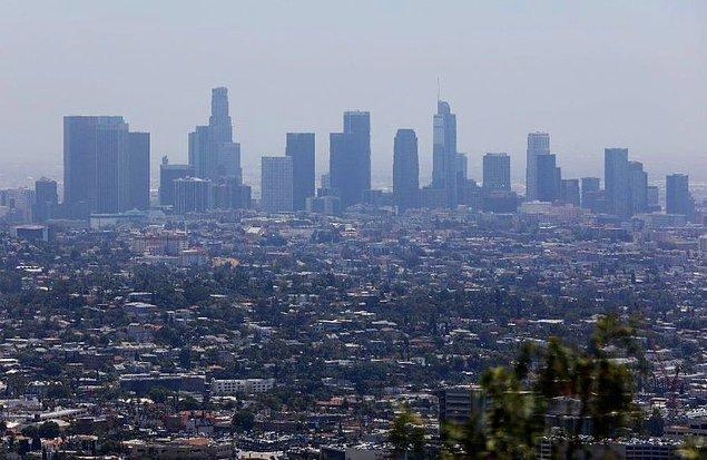 Los Angeles şehrinde de bar, kafe ve gece kulüpleri kapatıldı