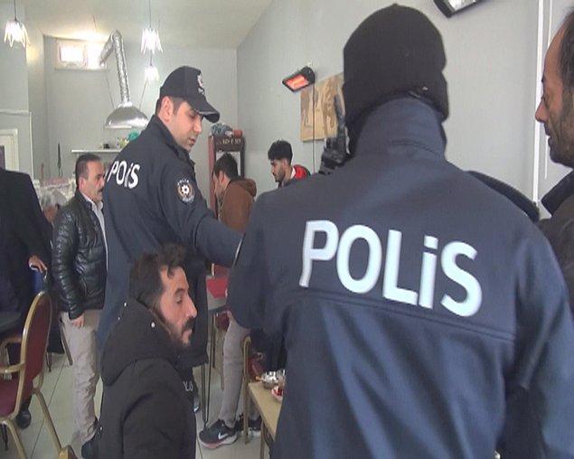 Polis ekipleri , ilçe genelindeki iş yerlerini denetleyerek, genelgeye uygun hareket edip etmediklerini kontrol etti.