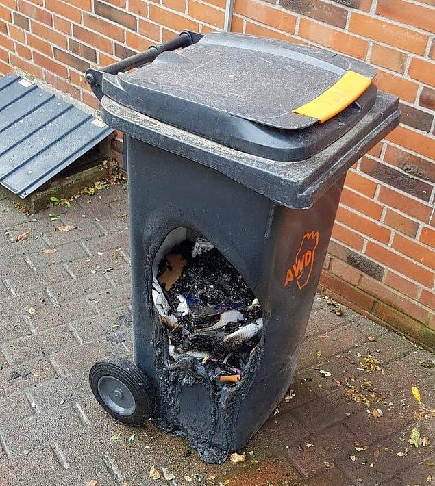"""14. """"Bu adam soğumamış kömürü plastik çöp kovasına dökmüş."""""""